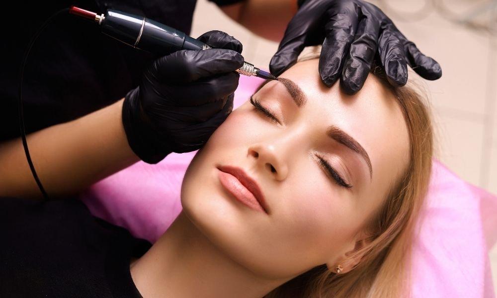 pros-cons-permanent-makeup-arvivaesthetics.com